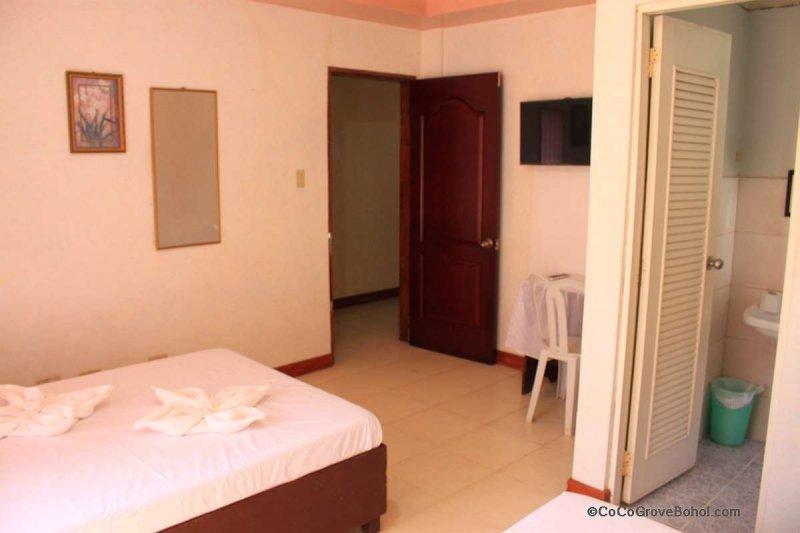 coco grove hotel bohol 2017- 009